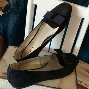 Ladies black 7M flat dress shoes